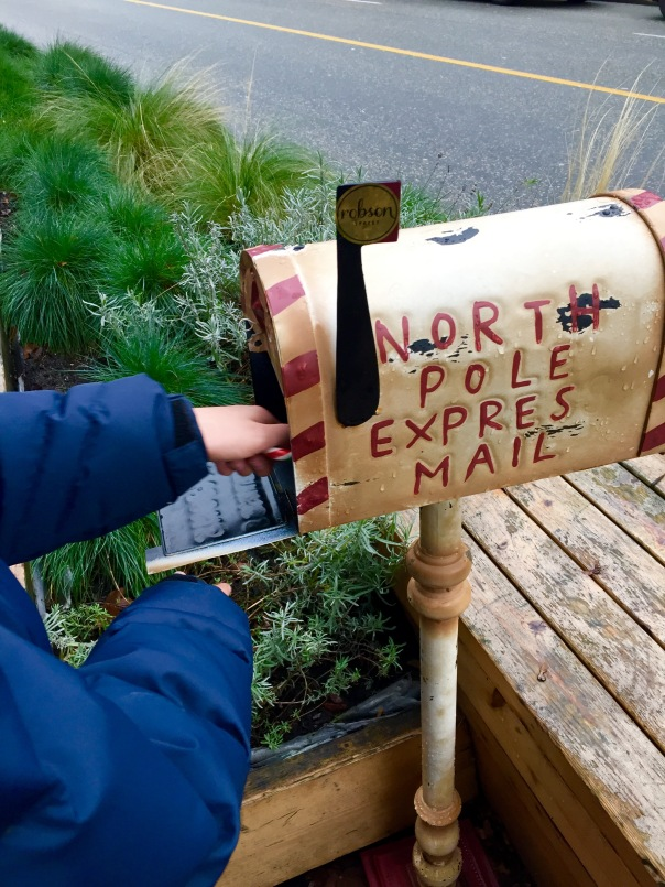 North Pole Mail Box www.growingsigns.com